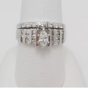 Beautiful 1.25 carat 14k diamond ring set